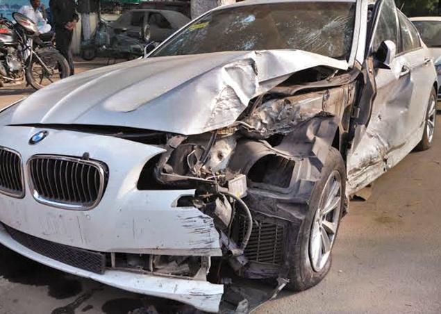 bmw car crash